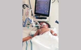 الصورة: «إسلامية دبي» تساند مواطناً بخفض فاتورة علاج ابنته