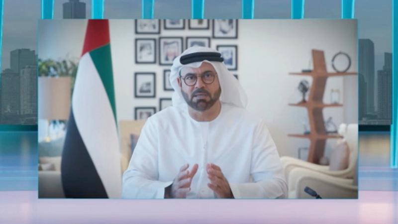 القرقاوي يلقي الكلمة الافتتاحية لحوارات دبي للمستقبل.  من المصدر