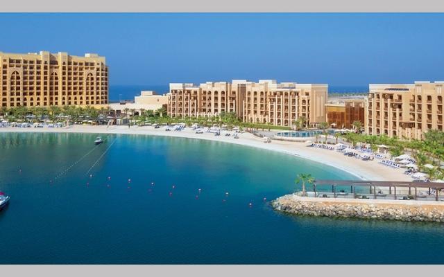 الصورة: #سياحة_بلادي.. جزيرة المرجان: شاطئ مشمس ومنتجع عائلي هادئ