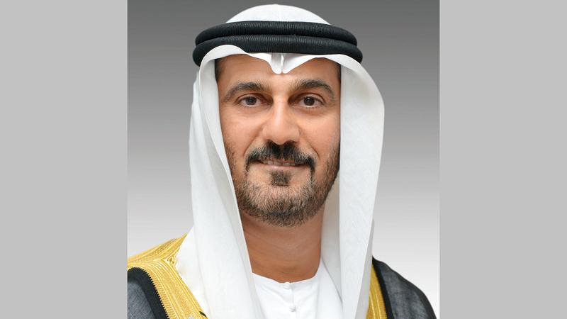 حسين الحمادي:  «الطالب بحاجة إلى الدراسة في الصف الدراسي ليكتسب العديد من المهارات».
