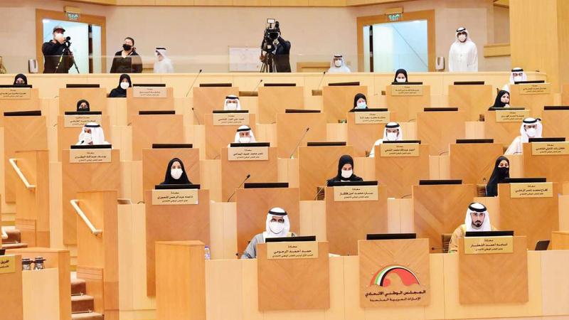 جلسة المجلس الوطني خلال مناقشة سياسة وزارة الداخلية في شأن الدفاع المدني.  من المصدر