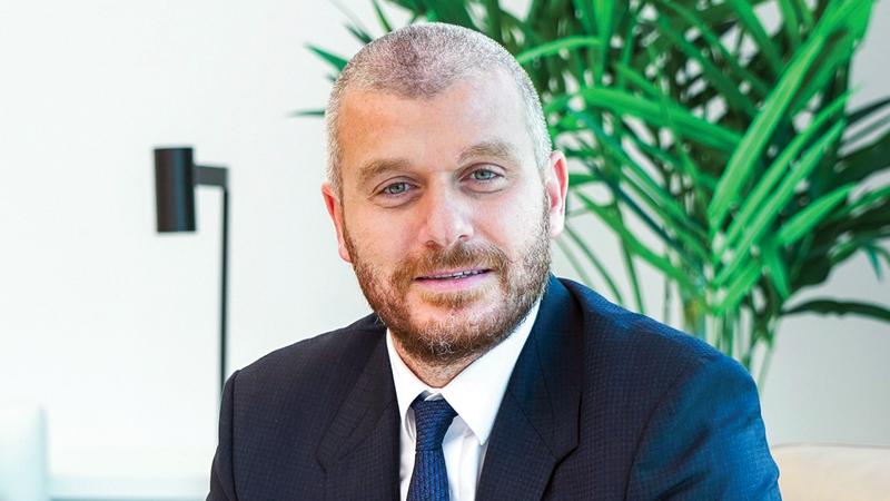 إيلي نعمان: «منهجية الإمارات في التعامل مع الجائحة نالت إشادة عالمية، واستئناف الأنشطة عزز الثقة بالقطاعات»
