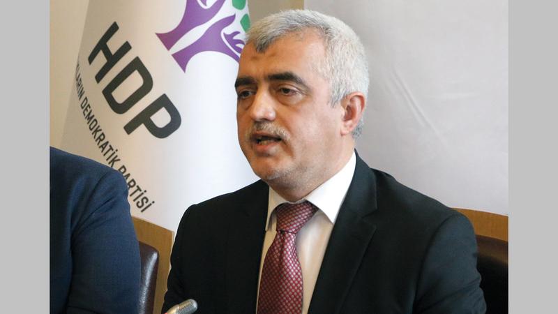البرلمان التركي ألغى عضوية عمر فاروق جرجيرليوغلو أحد أبرز نواب حزب الشعوب الديمقراطي.   أ.ب