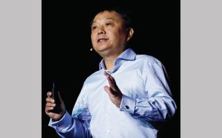 الصورة: وراء الاقتصاد.. وانغ شيانغ.. ملك الهواتف الجديد في الصين