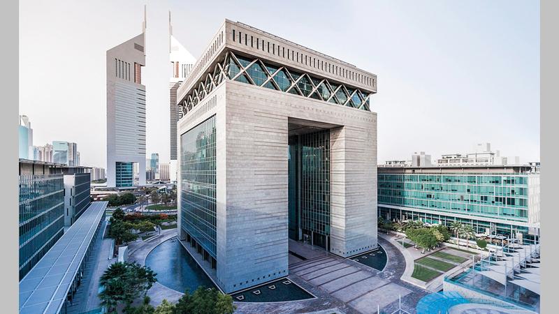المركز المالي يكمل برنامجه الفني المتواصل باستضافة «آرت دبي».  من المصدر