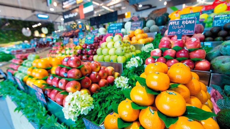 «الفواكه الطازجة» لديها 500 حاوية لأنواع عدة من الفواكه عالقة على متن السفن.  أرشيفية