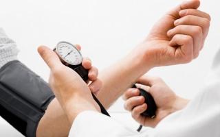 الصورة: طرق لخفض ضغط الدم بدون دواء