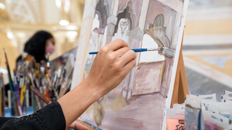 16 فناناً وموهوباً تمت دعوتهم للمرة الأولى إلى زيارة «قصر الوطن».  من المصدر