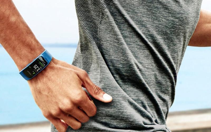 الصورة: 5 نصائح عند شراء «الأساور الذكية» لتتبّع اللياقة البدنية