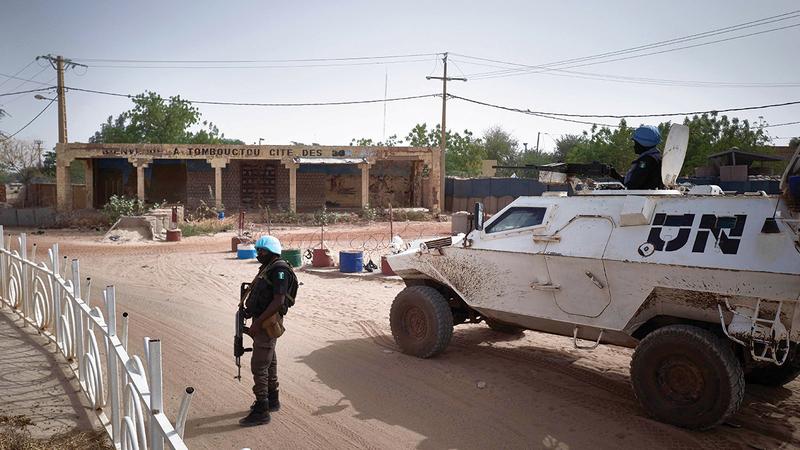 عربة تابعة لقوات الأمم المتحدة العاملة في مالي حيث يد الإرهاب لاتزال طويلة.   أ.ف.ب