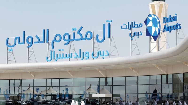 تزويد مطار آل مكتوم الدولي بـ 13 جهاز فحص متطوراً لتسريع حركة الزوار والعارضين.   تصوير: باتريك كاستيلو