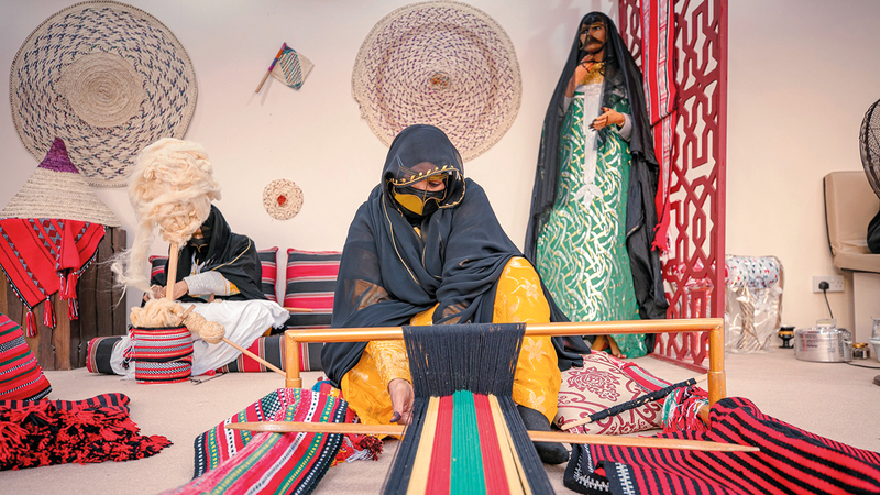 الإمارات بادرت بتسجيل حرفة «السدو» على قائمة التراث غير المادي للبشرية لدى «اليونسكو».     من المصدر