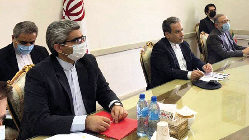 الفريق الإيراني المفاوض في جولة سابقة من مباحثات «خطة العمل الشاملة المشتركة» من دون أميركا.  أ.ف.ب