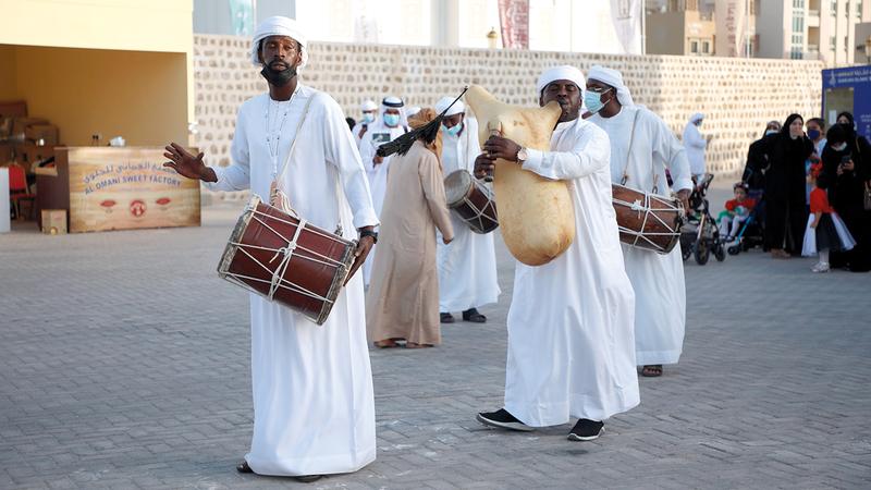 خلال أداء رقصة الهبان خلال فعاليات المهرجان.  من المصدر