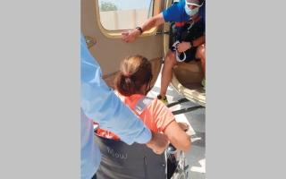 الصورة: شرطة رأس الخيمة تنقذ 9 أشخاص علقوا في «شحة»