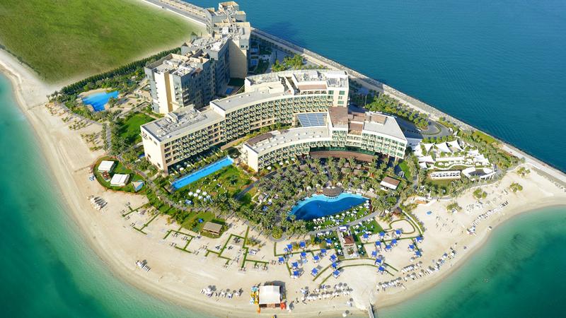 المبادرات تهدف لتأهيل الإماراتيين للعمل في وظائف الصفوف الأمامية بقطاع السياحة. أرشيفية