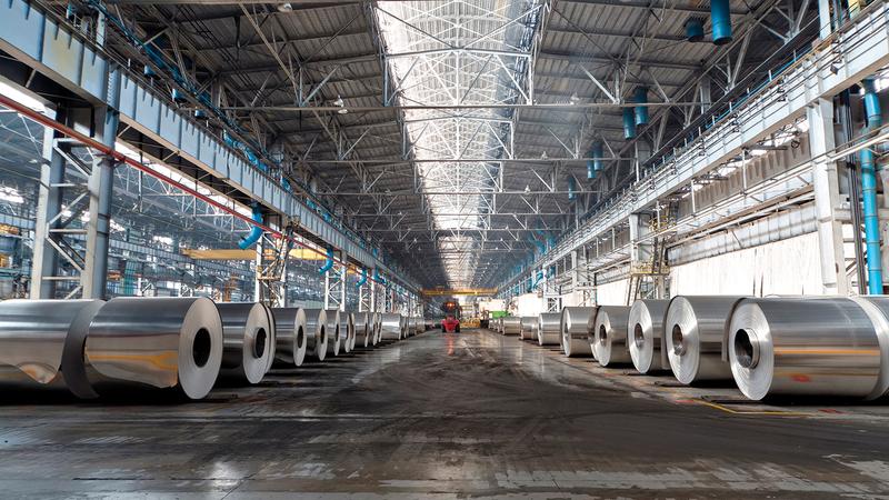 «إصنع في الإمارات» يحفز المنافسة بين الشركات ويرفع مستوى الجودة إلى درجة عالية.  أرشيفية