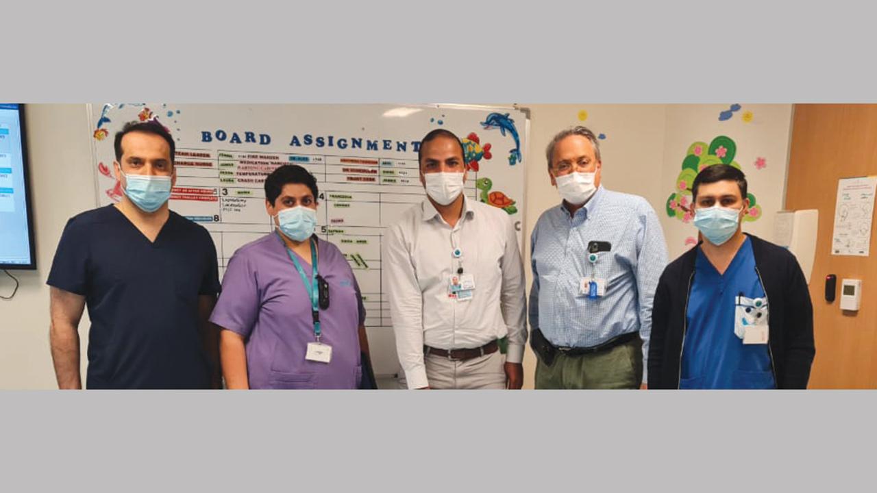 الفريق الطبي من مستشفى الجليلة للأطفال وجامعة محمد بن راشد للطب والعلوم الصحية. من المصدر