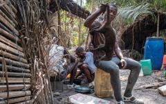 الصورة: سكان ساحل العاج يبرعون في إعداد أطباق الحيوانات البرية