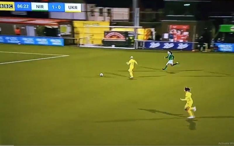 الصورة: بالفيديو: أغرب خطأ في عالم كرة القدم.. من الملاعب النسائية