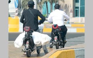توجّه لوضع ضوابط على قيادة الدراجة الكهربائية في أبوظبي