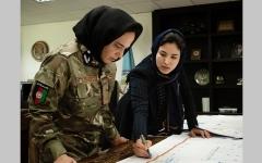 الصورة: حُسنى جليل.. امرأة تكافح في دهاليز السياسة الأفغانية