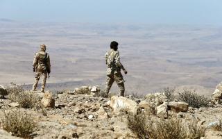 الصورة: الجيش اليمني يحرر «جبل العشب»  و«ركن هيلان» في صرواح مأرب