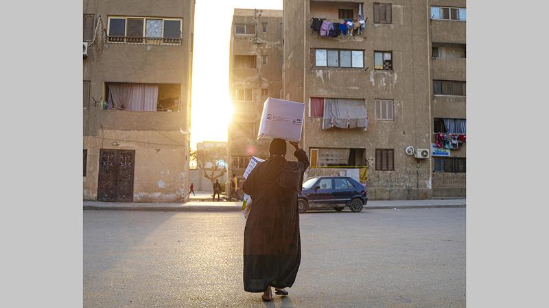 الحملة تستهدف الأسر المتعففة والأقل دخلاً والأيتام والأرامل في مصر.  من المصدر