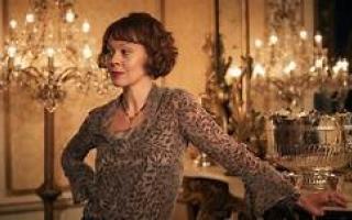 الصورة: وفاة نجمة هاري بوتر الممثلة هيلين ماكروري عن 52 عاماً