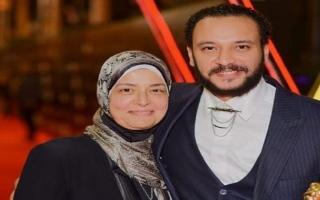 الصورة: «رحلت في أيام البركة».. خالد الصاوي ينعى والدة الفنان أحمد خالد صالح