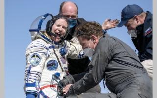 الصورة: 3 رواد يعودون من محطة الفضاء.. أهلاً بكم في الأرض