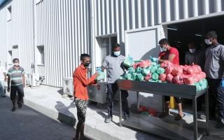 الصورة: «إسلامية دبي» تُشكّل فريقاً للإشراف على توزيع الوجبات الرمضانية