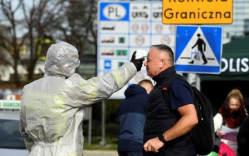 الصورة: ألمانيا: لا يممكنا القضاء على كورونا