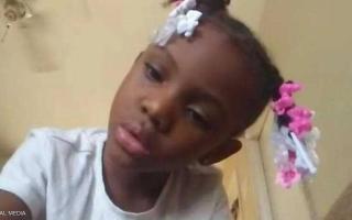 الصورة: طفلة أميركية تلقى حتفها بالرصاص أثناء انتظارها وجبة ماكدونالدز