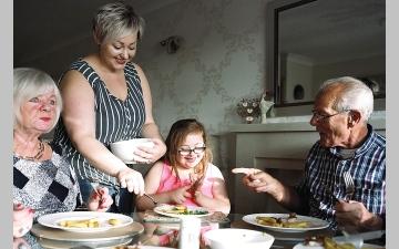 الصورة: العائلات البريطانية تضررت مالياً أكثر من نظيراتها الأوروبية خلال «الجائحة»