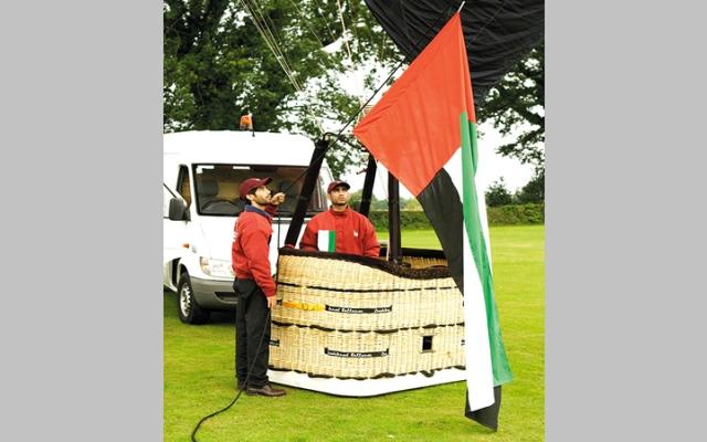 الصورة: «منطاد علم الإمارات» يستعد لجولات عالمية