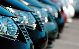 الصورة: عروض السيارات.. وكالات تركز على القيمة المضافة.. ومستهلكون يفضلون «التخفيض المباشر»