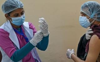 """الصورة: هدر أكثر من 4,4 مليون جرعة لقاح """"كورونا"""" في الهند"""