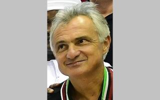 الصورة: سلة شباب الأهلي تستغني عن خدمات المدرب الإيطالي فالي