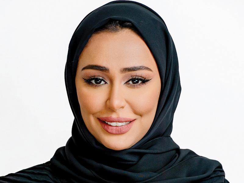 خولة المجيني: «نأمل أن تكشف لنا المسابقة عن شعراء جدد يثرون المشهد الثقافي العربي مستقبلاً».
