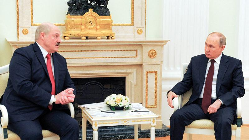 توقّع المراقبون إعلان بوتين للاندماج مع بيلاروسيا.   أ.ف.ب