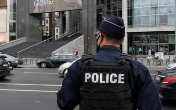 الصورة: الشرطة الفرنسية تفرق حفلاً شبابياً حاشداً وسط باريس