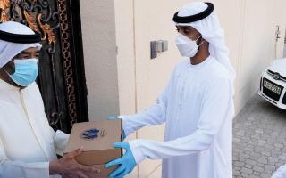 الصورة: «سفرة الجمارك» تقدم 40 وجبة إفطار لكبار المواطنين في دبي