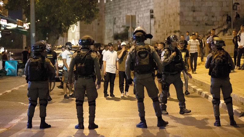 الاحتلال أصاب عشرات المقدسيين واعتقل آخرين.   الإمارات اليوم