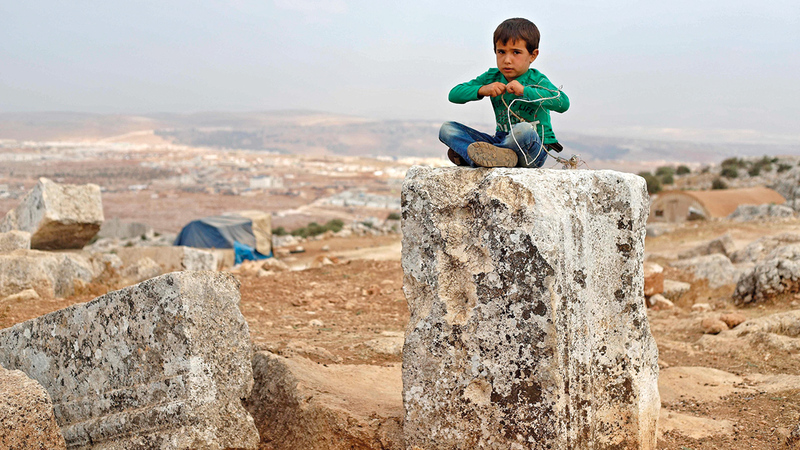 النازحون في الشمال السوري يواجهون مستقبلاً مجهولاً.  أرشيفية