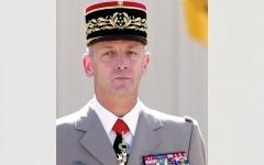 الصورة: فرنسا تعاقب العسكريين الموقعين على مقال مثير للجدل