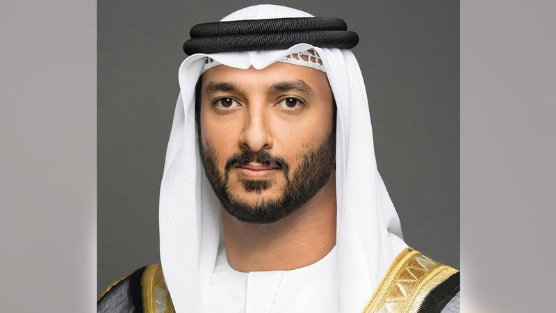 عبدالله بن طوق المرّي:  «(الاقتصاد) تعمل وفق رؤية طموحة لمضاعفة الاقتصاد الوطني، خلال السنوات الـ10 المقبلة، ليصل إلى ثلاثة تريليونات درهم».