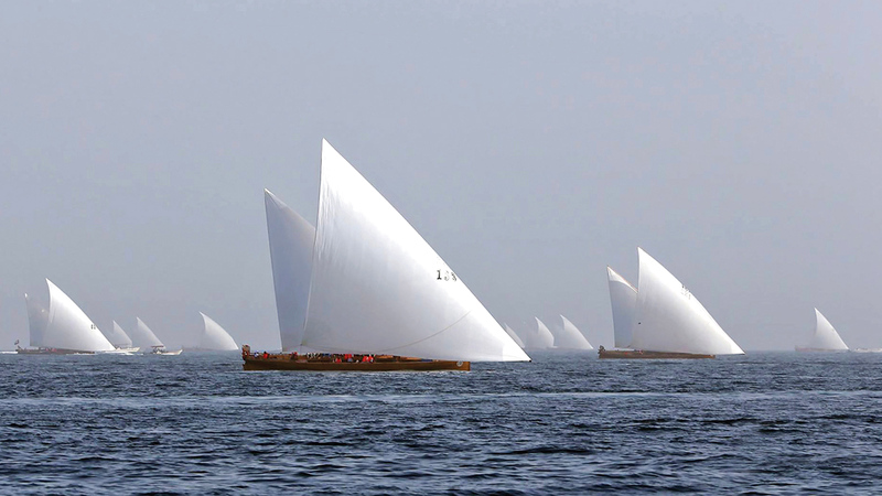 سباق القفال للسفن الشراعية التراثية يحتفي بالذكرى الـ30 لتأسيسه.  من المصدر