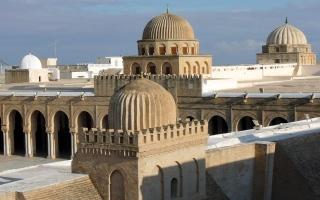 الصورة: بالفيديو.. مساجد.. جامع عقبة بن نافع.. التحفة النادرة على مر العصور