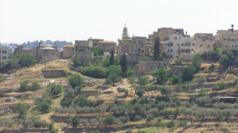 الاحتلال صادر أراضي بيت إكسا وأبقى 650 دونماً فقط.   الإمارات اليوم